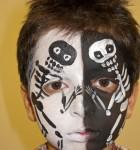 face_painting_diadelosmuertos_skeletonsblackandwhite_121104_agostinoarts