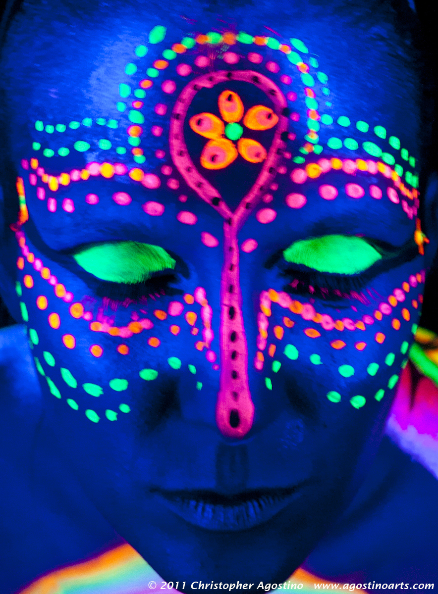 Face body paint on pinterest uv face paint glow and for Paint a dark picture
